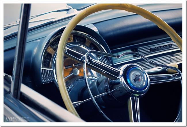 olds-steering-wheel
