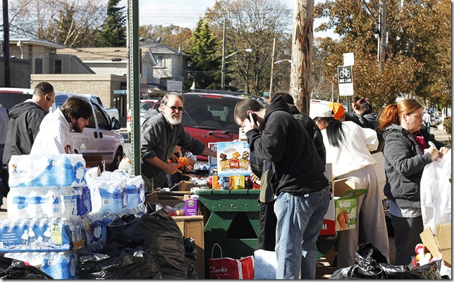 Staten Island Neighbors helping 1